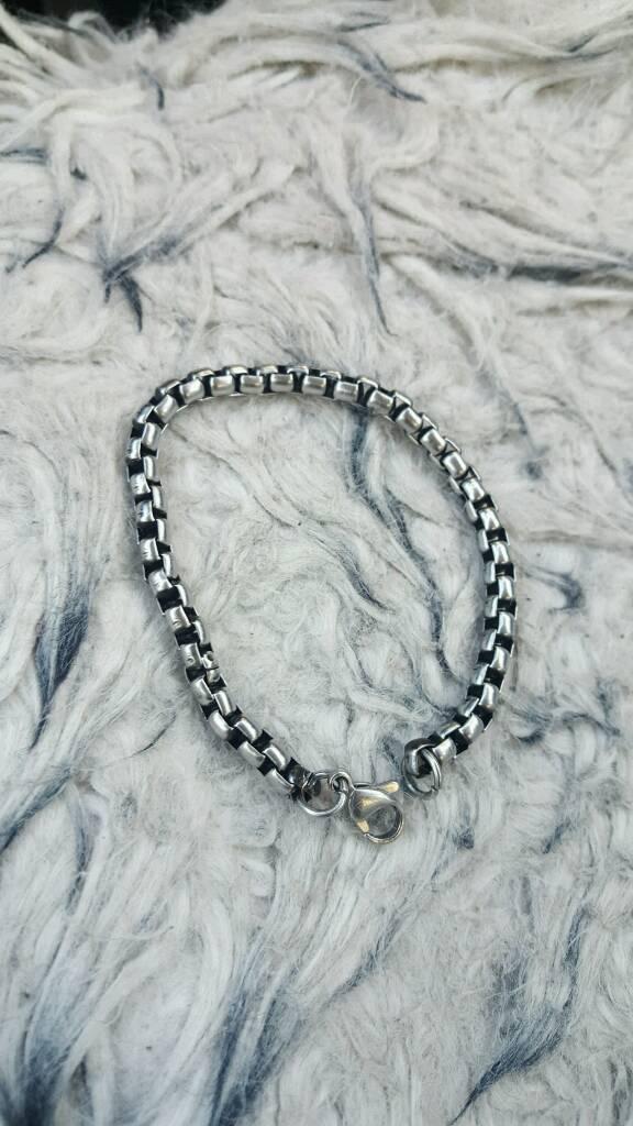 Bracelet for menin Broxtowe, NottinghamshireGumtree - Pretty men bracelet