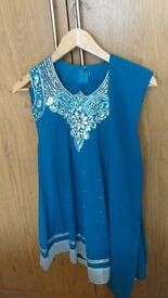 Like new! Designer 3 piece girl's indian outfit. Age 6-8.