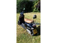 Vespa ET2 50cc 2003. The perfect summer scooter! MOT until 07/2018. 2 brand new tyres. Black/Brown.