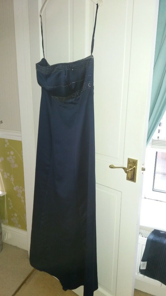 prom dresses for salein Pontarddulais, SwanseaGumtree - Midnight blue/navy evening prom dress empire line size 16 when once excellent condition £40.00. Collection only contact Lisa 07800826920
