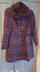 Retro style swing coat size 10. New Look with belt and fur collar
