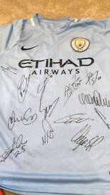 2018 sqaud Signed Manchester City shirt Coa and photo proof