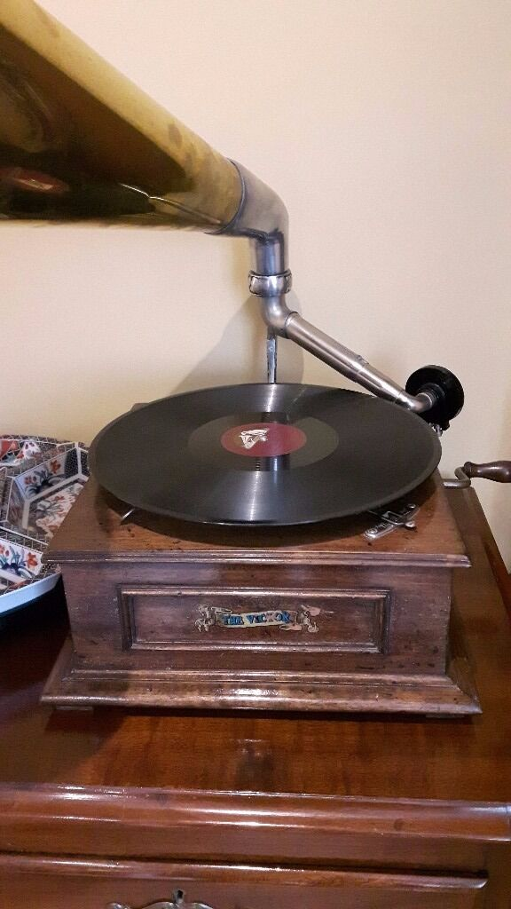 Nipper the HMV Jack Russell dog and Gramophone - a great display piece / a great present