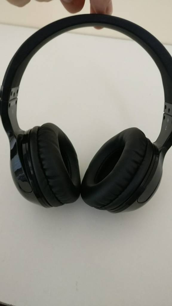 Skull candy earphones (no wire)