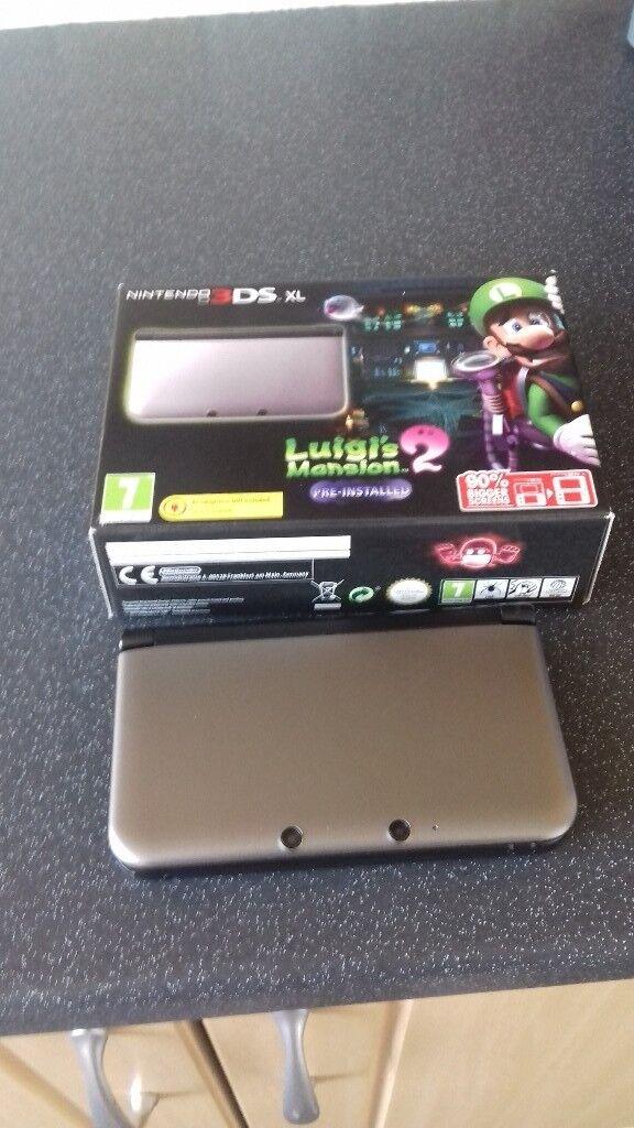 Nintendo 3DS XL with pre-installed Luigi's Mansion 2
