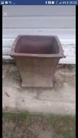 2ft x 2 ft plant pot concrete material