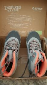 Hi-Tec walking shoe/boots size 4