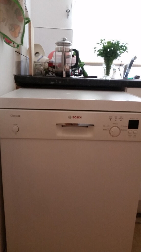 Bosch Classixx Dishwasher freestandingNW6in Kilburn, LondonGumtree - Bosch dishwasher in full working order, frankly looks as new as when I bought it. It has worked for me without a fault for three years, which is what one expects from a Bosch. Now moving house, with the next one having a built in dishwasher, I am...
