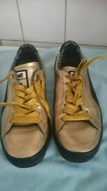 Mens gold limited edition puma trainers size 8