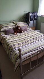 """Metal bed frame, 4'6"""""""