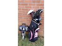 Girls set of golf clubs (age 7-14yrs) and trolley