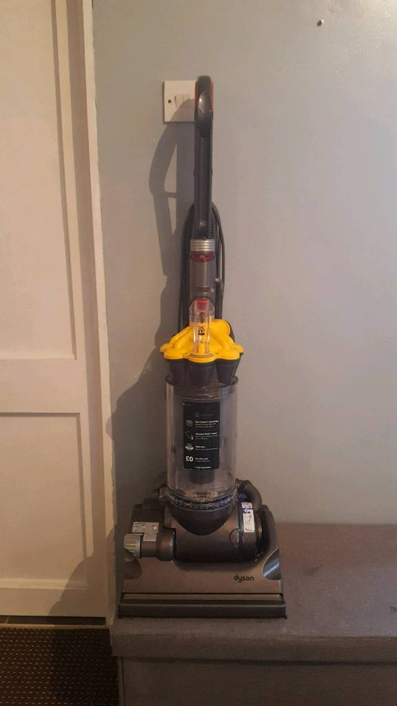 Dyson dc33in Alvaston, DerbyshireGumtree - Dyson dc33 excellent Hoover with very strong suction perfect for pet hair can be shown fully working collection alvaston may deliver for fuel £45ono