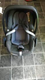Maxi Cosy Pebble Plus Car seat - 0 group