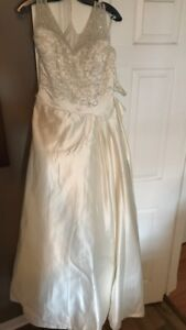 Off white wedding Dress size 12