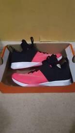 Nike womens trainers 6.5