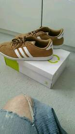 Adidas VLNEO COURT trainers uk 7.5