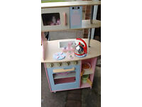 Play kitchen, lots of accessories. £50 no ofers