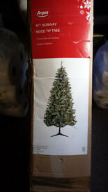 Argos 8ft Norway mixed tip tree with box. used but in good condition