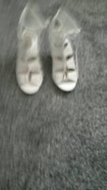 Sandels