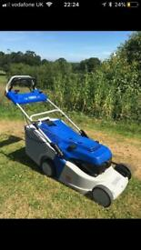 Yamaha self propelled lawnmower very good condition