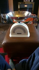 New salters weighing scales excellent condition