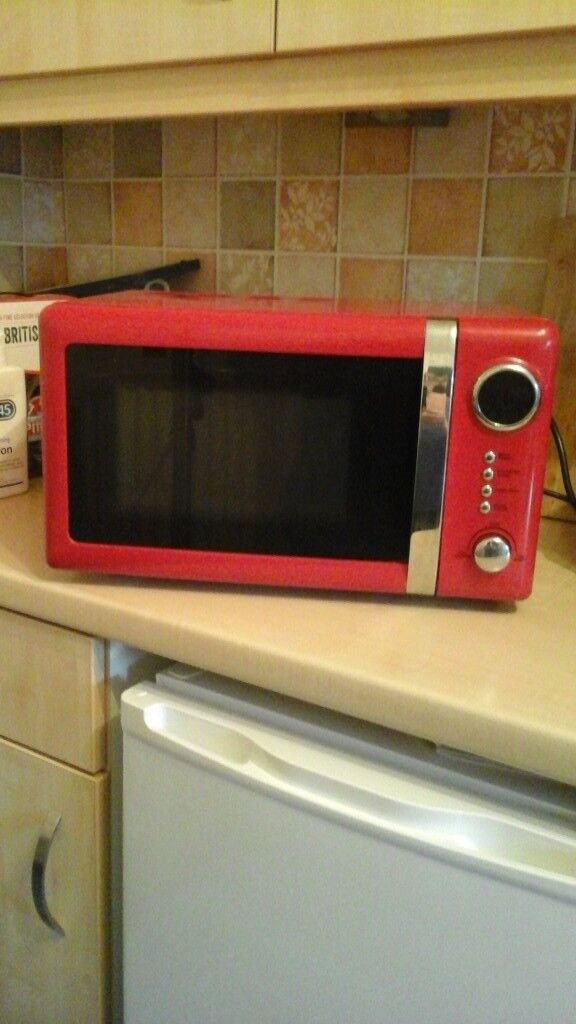 Red microwave excellent condition