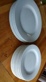 Set of 5 medium and 8 small white plates