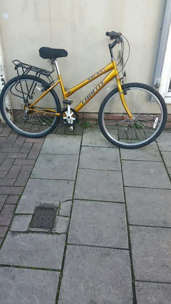 Gold Emmelle Galaxy Mountain Bike 26 Wheels 5 Speed 17 Frame