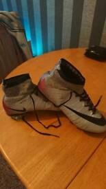 Kids nike mercurial CR7 football boots