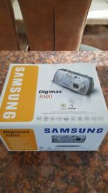 SAMSUNG DIGIMAX 3000 CAMERA