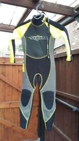 Wet suit age 3/4