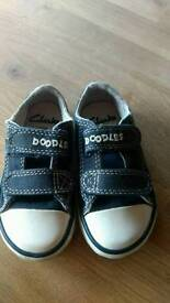 Toddler 4 1/2 F trainers