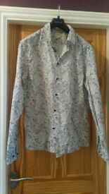Mens XL Paisley Black & White Long sleeved Shirt H & M