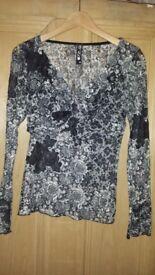 Grey/white lace top-size M