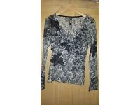 Grey/white lace top-size M