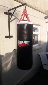3ft pro box punch bag with wall bracket
