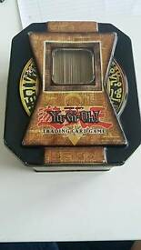 Yu-gi-oh cards (with tin)