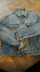 Old 30 year old Levi Jacket (vintage/ripped) 38-40 chest