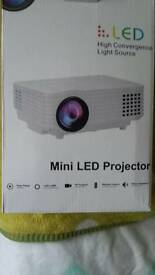 HD mini led projector