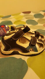 Leather Sandals boys brand new - size 5