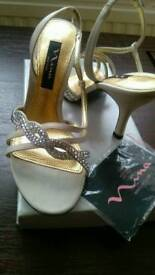 Sandals size 35, 2 and 2 1/2.