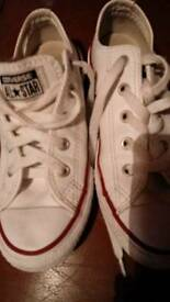 Very good condion converse size 1 very goid condion