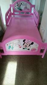 Mini mouse pink character bed