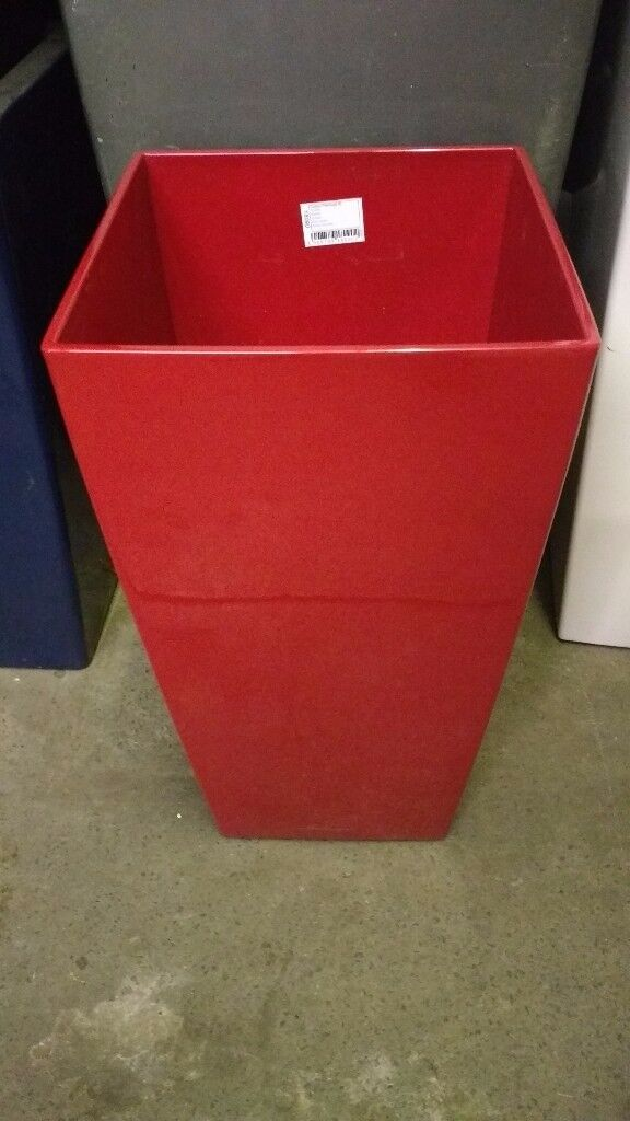 Large selection of good quality used planters.