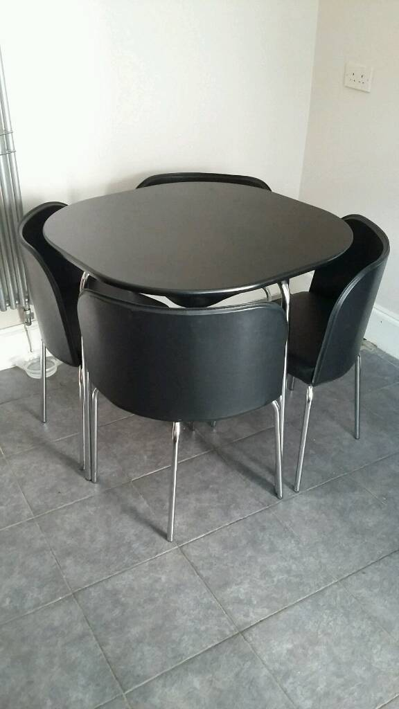 Sale Manchester 5500 Dining Table And Chairs