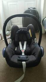 2 x maxi cosi cabriofix car seats in black