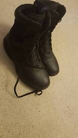 Size 9 Magnum boots