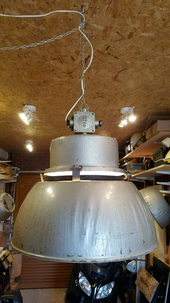 Industrial lamp warehouse light
