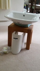 WICKES INCA WASH BASIN WITH SEMI PEDESTAL BRAND NEW