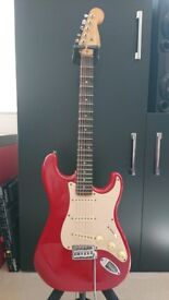 SQUIRE STRATOCASTER AFFINITY GUITAR WITH SCALLOPED FRETBOARD & IBANEZ 15 WATT AMP AS NEW!!